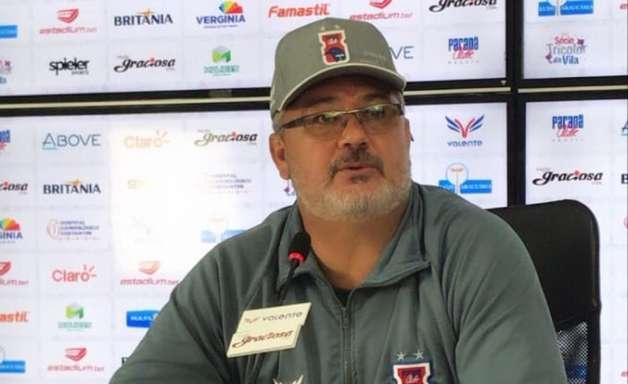 Micale ainda não conseguiu vencer no comando do Paraná