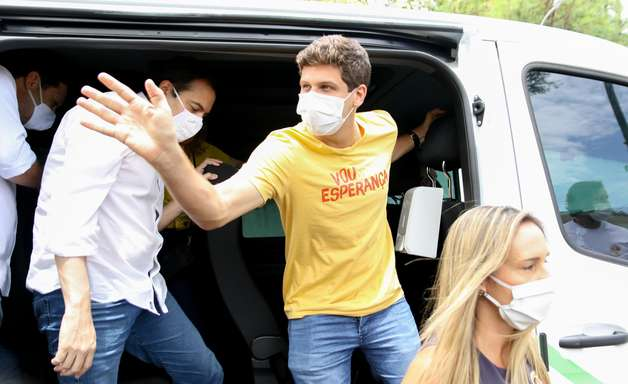 João Campos vence Marília Arraes, do PT, em Recife