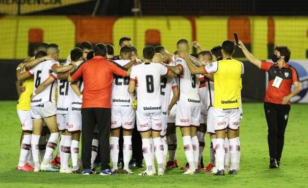 Atlético-GO e Goiás fazem clássico em situações diferentes