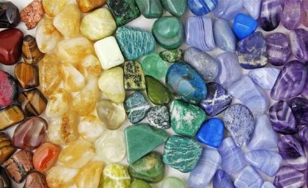 11 passos para utilizar a energia das pedras em 2021