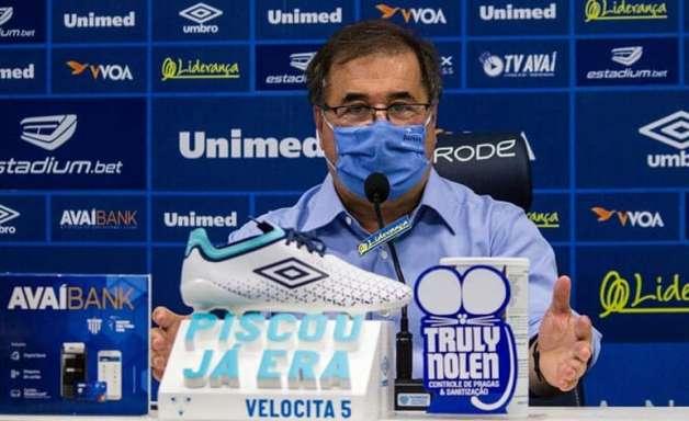 Novo executivo de futebol do Avaí, Marco Aurélio Cunha é apresentado