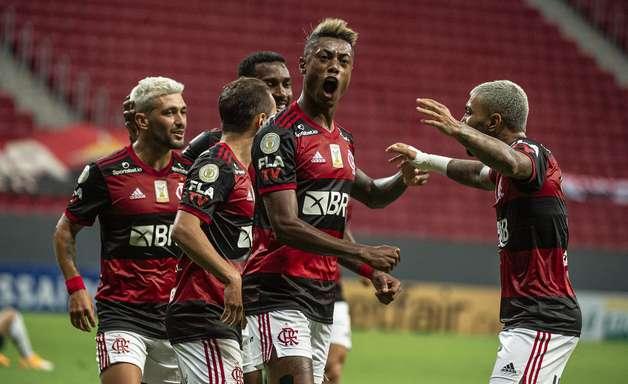 Com pegada bruta e pé no chão, Flamengo mira o bicampeonato