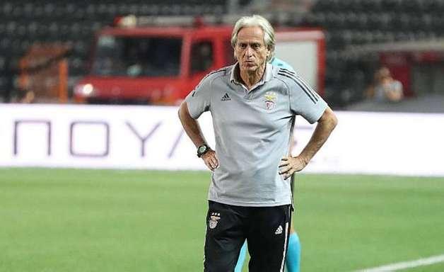 Jorge Jesus culpa pandemia por crise e nega saída do Benfica