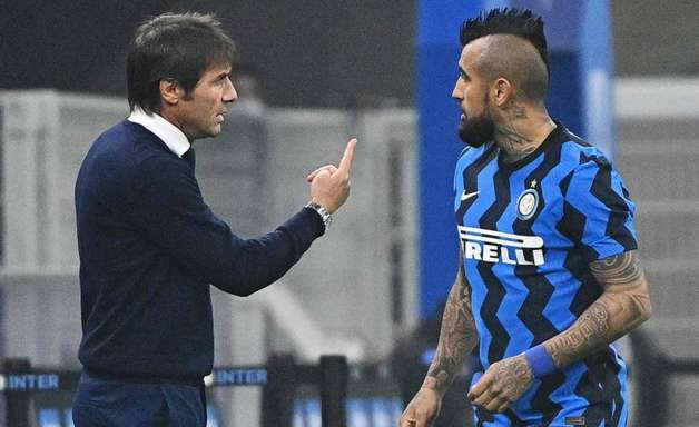 Vidal reclama de substituição, e Conte dispara: 'Eu tomo as decisões'
