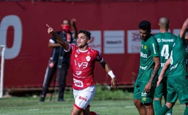 Após bom Brasileirão de Aspirantes, João Pedro se destaca no time principal do Vila Nova