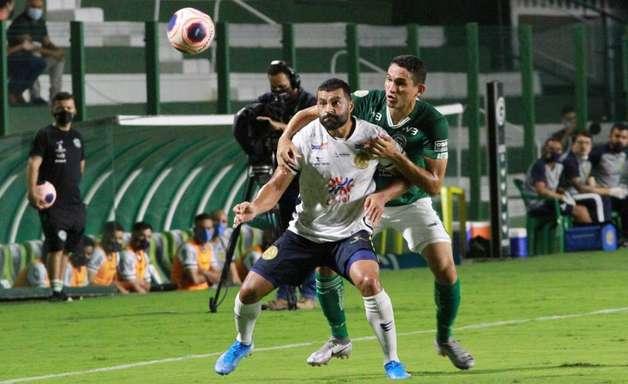Goiás perde para a Aparecidense e é eliminado do Campeonato Goiano