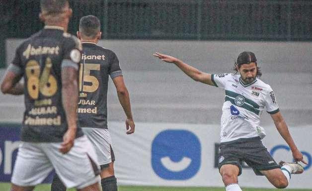 Mattheus Oliveira lamenta a falta de efetividade do Coxa diante do Ceará