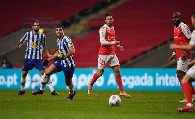 Com golaço de Lucas Piazon, Braga supera o Porto e é finalista da Taça de Portugal