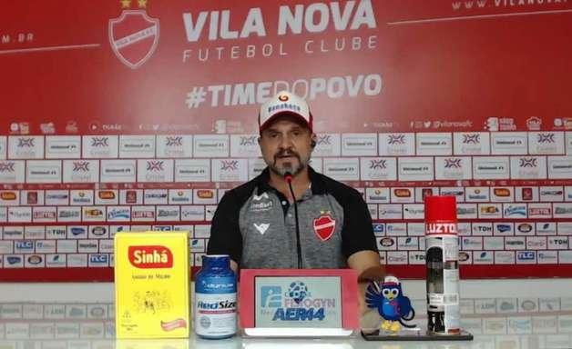 Wagner Lopes estreia com goleada e destaca postura do Vila Nova na segunda etapa