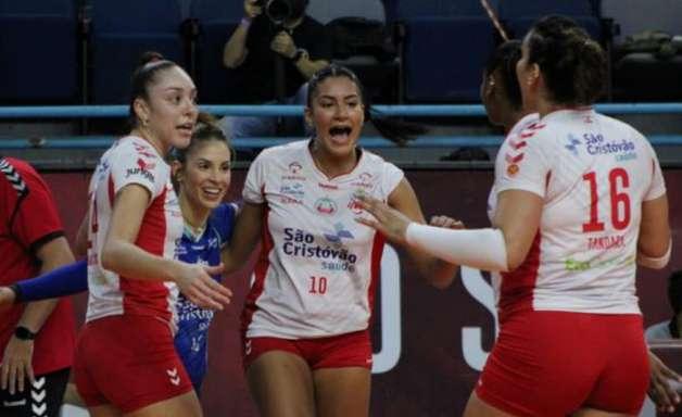 Osasco é o primeiro semifinalista da Superliga feminina de vôlei