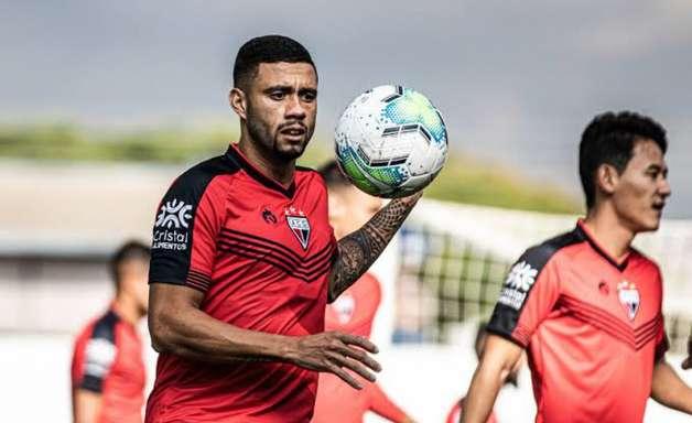 Wellington Rato marca mais uma vez em classificação do Atlético-GO na Copa do Brasil