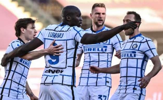 Inter de Milão anuncia mais dois casos de Covid-19 e jogo do Campeonato Italiano é suspenso
