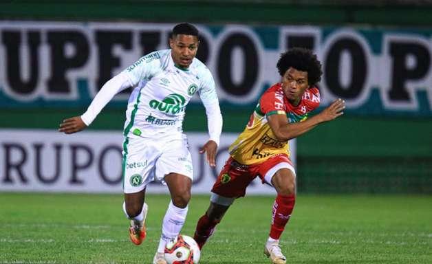 Em jogo morno, Chape e Brusque empatam sem gols pelo Catarinense