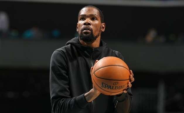 NBA multa Kevin Durant por xingamentos a ator