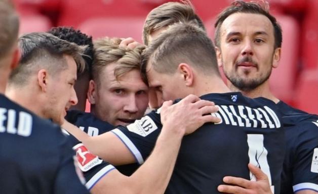 Arminina Bielefeld tenta sair da degola do Campeonato Alemão contra o Freiburg