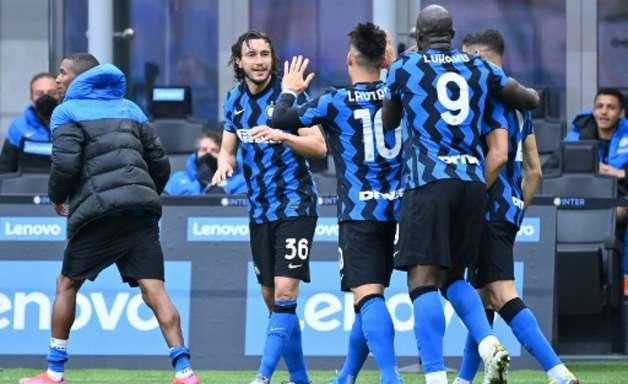 Inter vence, mantém distância e segue em busca do título