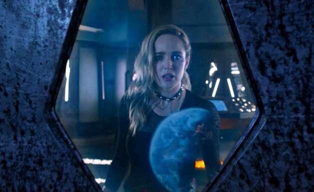 Legends of Tomorrow: Super-heróis vs. aliens no trailer da 6ª temporada
