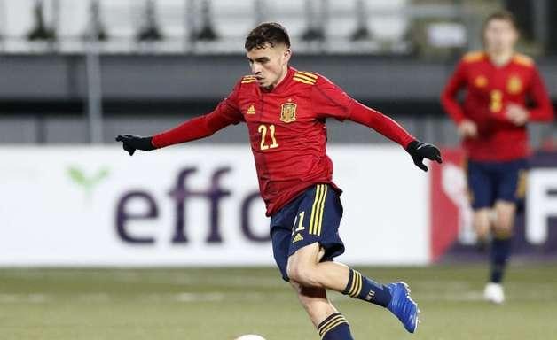 Barça tenta renovar com Pedri e afastar interesse do Liverpool