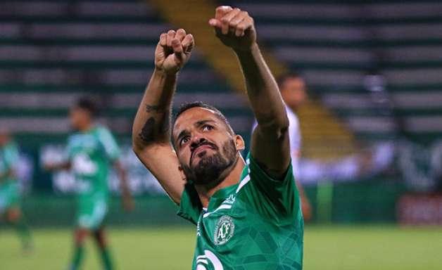 Botafogo avalia a possibilidade da contratação do atacante Anselmo Ramon, da Chapecoense