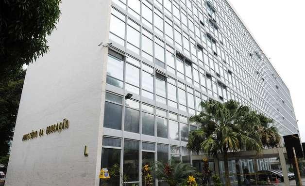 MEC admite não ter dinheiro para Enem e bolsas de pesquisa