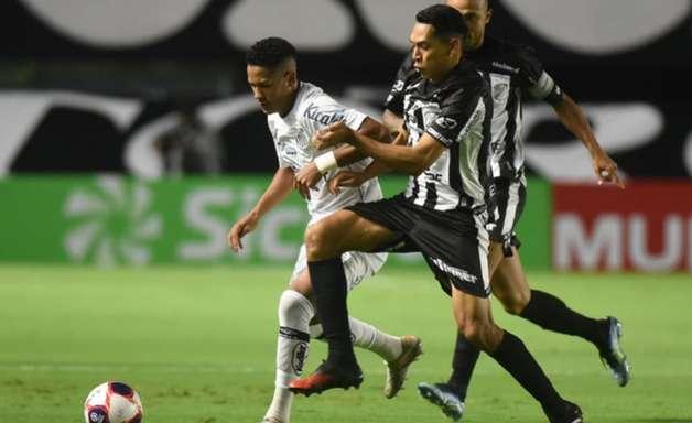 Santos aproveita falhas do goleiro e bate a Inter de Limeira