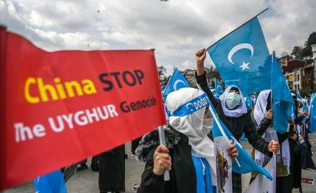 Human Rights denuncia 'crimes contra a humanidade' na China por maus tratos aos uigures