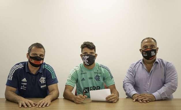 Fora da disputa na Argentina, Pepê negocia com o Cuiabá
