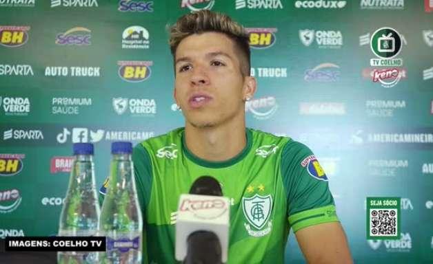 """AMÉRICA-MG: Bruno Nazário garante estar pronto pra ajudar e brinca: """"Se precisar que eu jogue no gol ou na zaga, estou a disposição"""""""