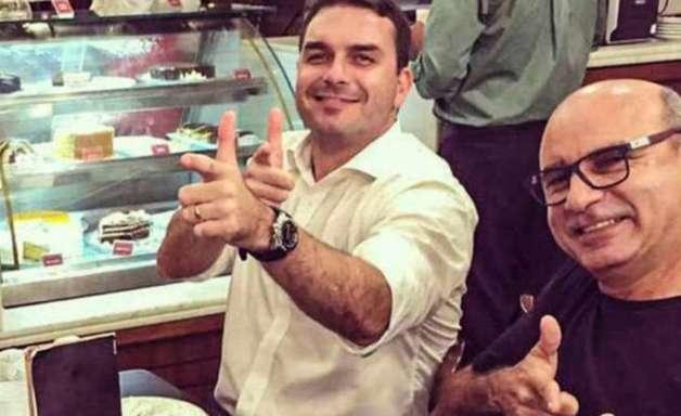 Flávio Bolsonaro celebra morte de miliciano