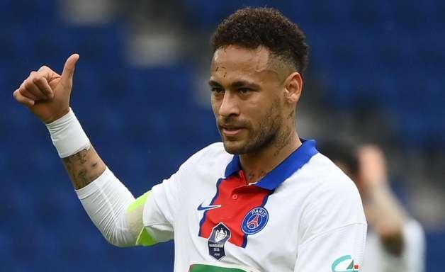 """""""Ele faz o futebol ser melhor"""", diz Guardiola sobre Neymar"""