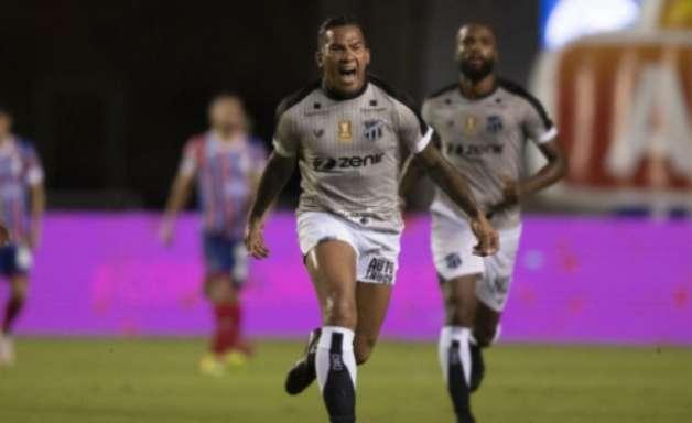 Com gol nos acréscimos, Ceará sai na frente do Bahia na final da Copa do Nordeste