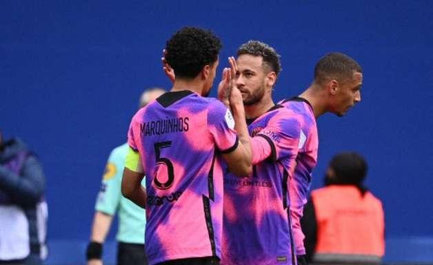 Neymar e Marquinhos marcam, PSG vence e pode virar líder