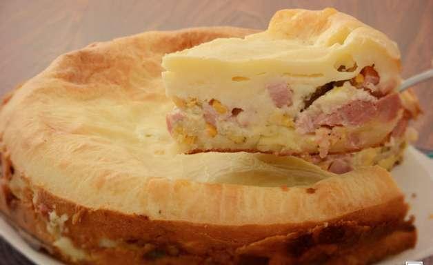 Torta de pão de queijo com frios: receita fácil para o lanche da tarde