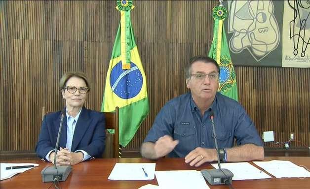 Bolsonaro volta a atacar oposição em discurso de 1º de maio