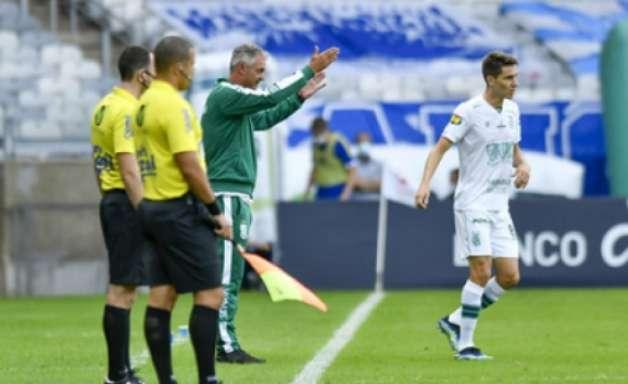 Lisca aponta favorecimento para o Atlético-MG no Estadual