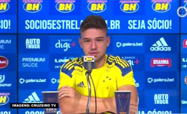 """CRUZEIRO: Bissoli exalta seus companheiros de ataque e reconhece: """"Tenho muito que aprender com eles"""""""