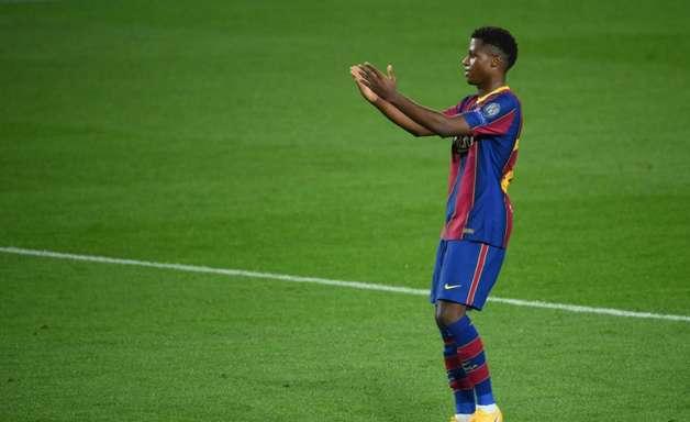 Ansu Fati passa por cirurgia em Portugal, informa Barcelona