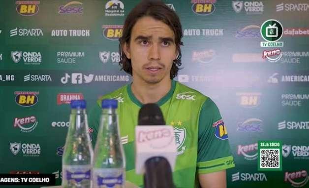"""AMÉRICA-MG: Zé Ricardo reforça como estrutura tática do time irá ajudar na decisão contra o Cruzeiro: """"jogamos juntos há muito tempo"""""""