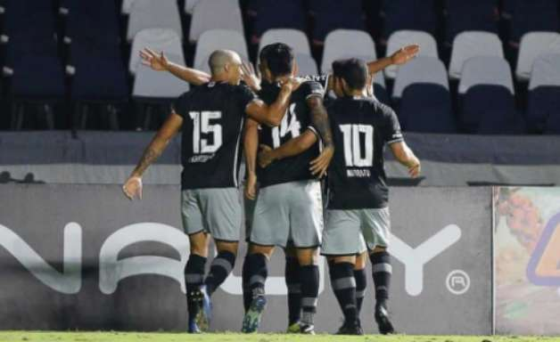 Vasco vence o Madureira e garante uma vaga na final da Taça Rio