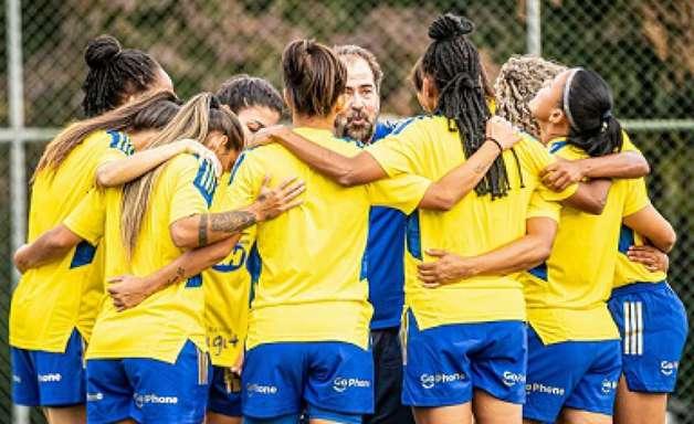 Cruzeiro e Botafogo fazem duelo importante pelo Brasileiro Feminino