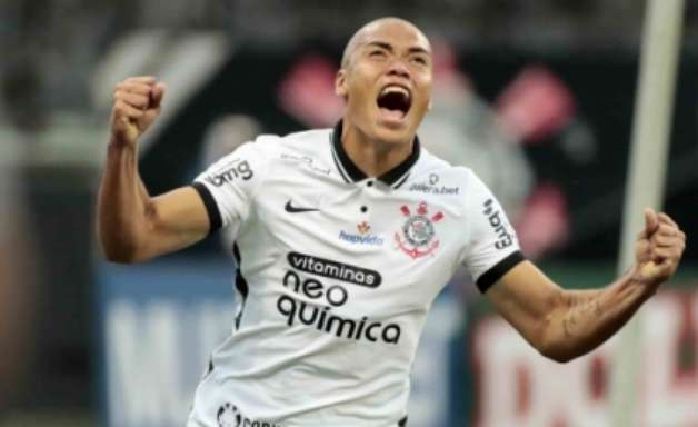 VÍDEO: Mandaca afirma que estreia com gol pelo Corinthians foi um 'dia inesquecível'