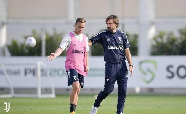 Andrea Pirlo segue na Juventus até o final da temporada
