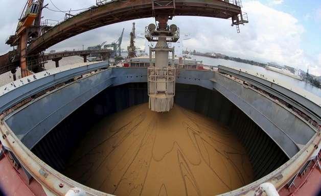 Exportação de soja do Brasil segue forte na 1ª semana de maio; açúcar cai