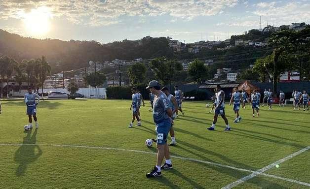 Fernando Diniz prepara o Santos para enfrentar o Boca na estreia sem Marinho e Alison