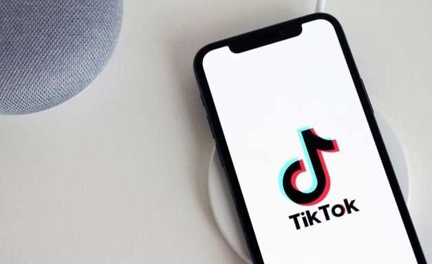 TikTok testa plataforma para achar empregos com currículos em vídeo