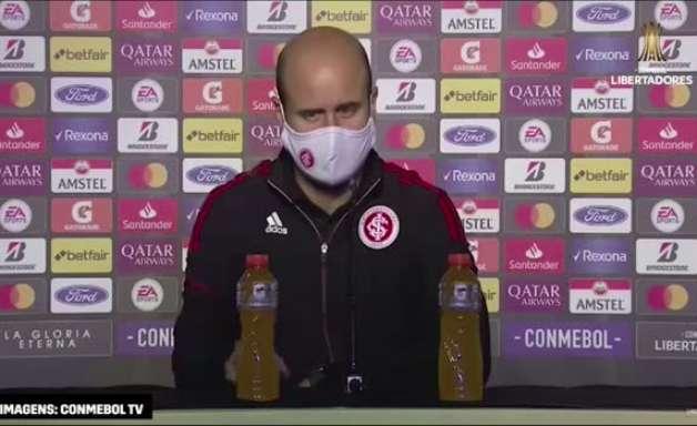 INTERNACIONAL: Miguel Ángel Ramírez avalia derrota, comenta sobre campo irregular e crê que cansaço ao longo da partida ajudou no resultado final