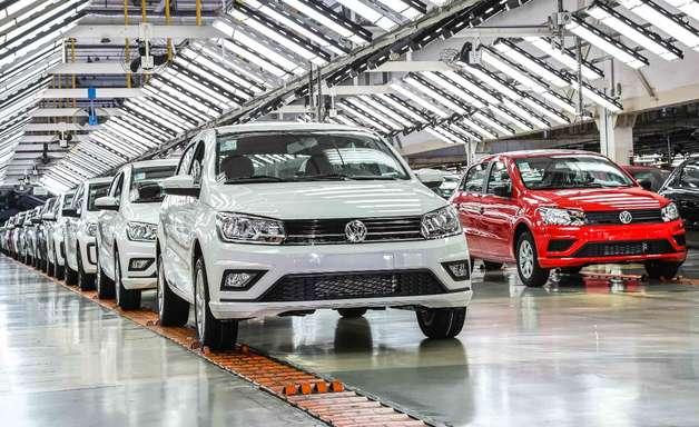 VW retoma investimento para produzir substitutos de Gol e Voyage