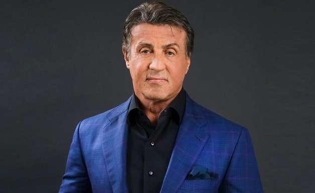 Stallone abre mão de US$ 25 milhões em venda de mansão