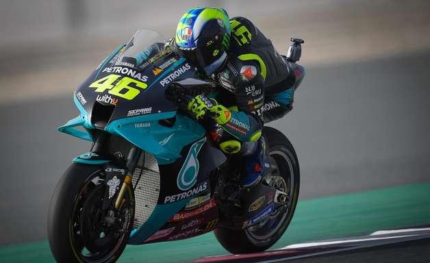 """Rossi diz não ligar para críticas: """"não leio nada há 15 anos"""""""