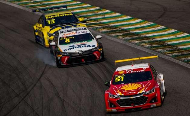 Shell tem duplo top-5 em Interlagos e aparece em terceiro na Stock Car